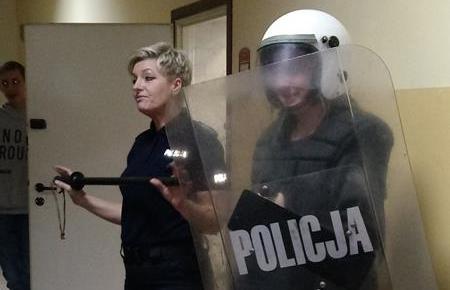 Wizyta klas 8 oraz 3 gimnazjum w Komendzie Miejskiej Policji w Przemyślu mainImage