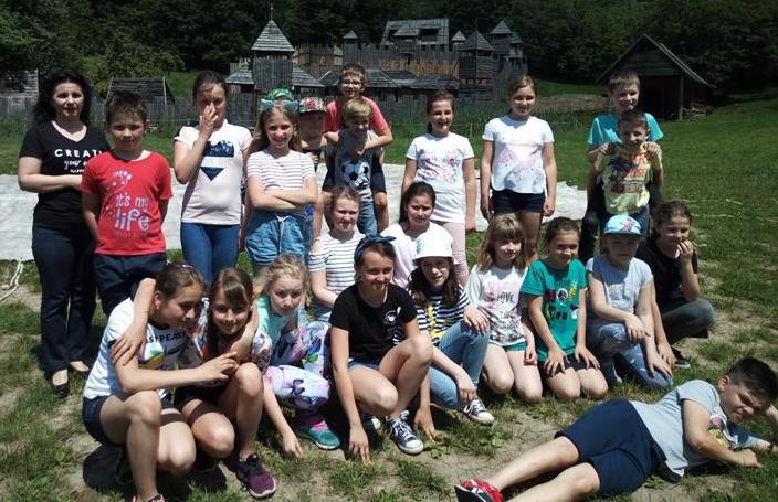 Klasa IV a na wycieczce szkolnej do WIOSKI FANTASY w Kuńkowcach image