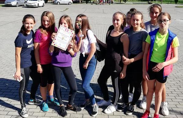 I miejsce dziewcząt w sztafetowych biegach przełajowych Igrzysk Młodzieży Szkolnej.