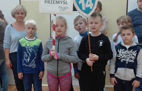 """XVI Powiatowa Olimpiada Sportowa """"Igrzyska radości, zdrowiem przyszłości"""" dla uczniów klas I - III"""