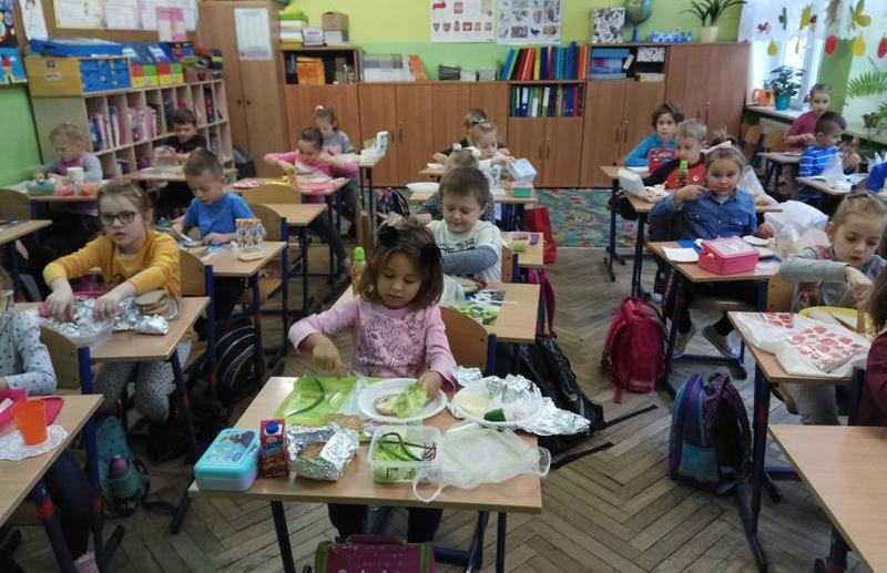 Śniadanie daje moc w klasie 1 b