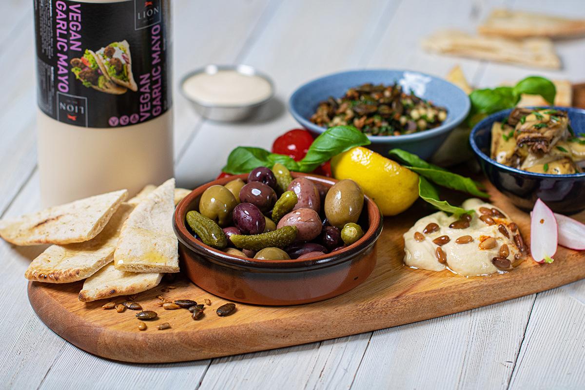 Lion Sharing Platter Vegan Garlic Mayo 03