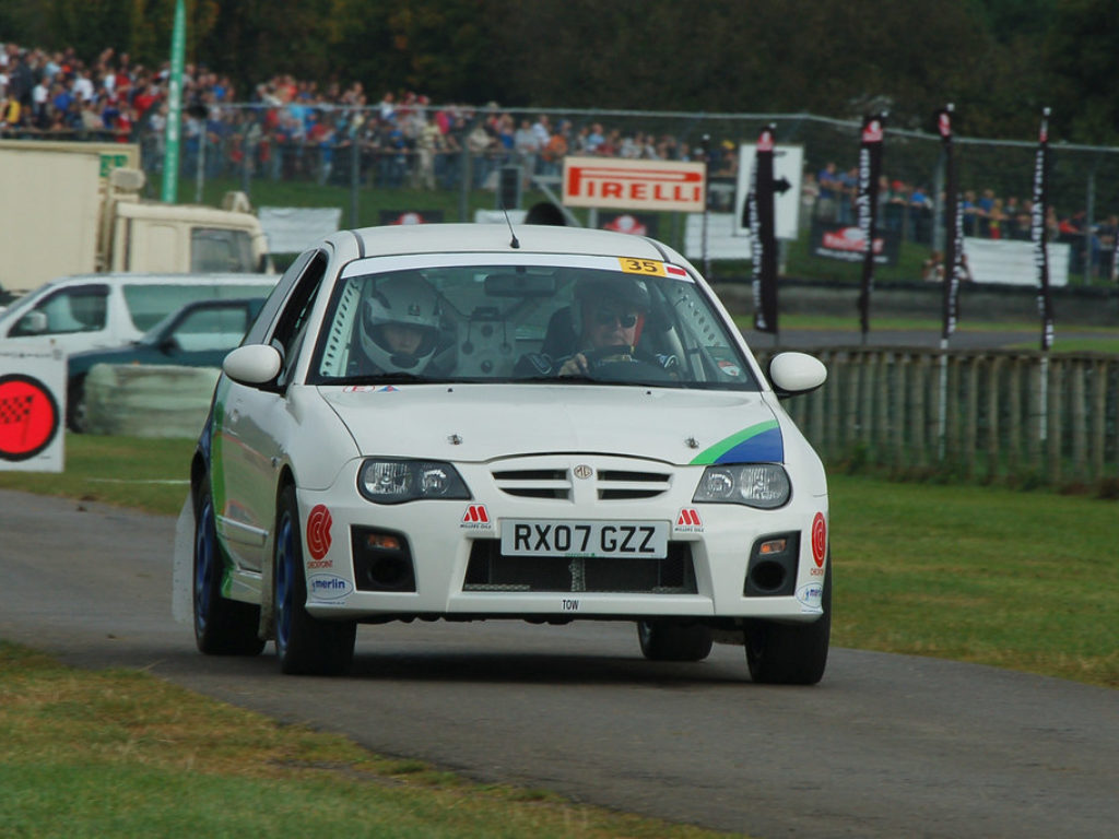 MG ZR Rally car a Castle Combe