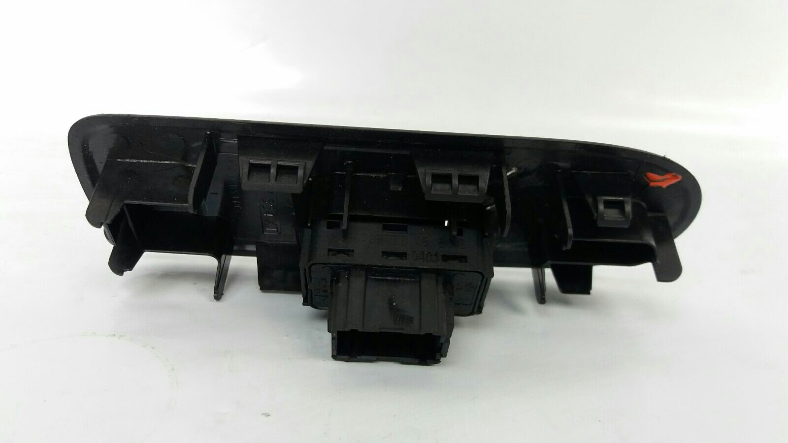 Citroen C3 2013 To 2016 VTR+ VTi 95 Switch Electric Window Front LH