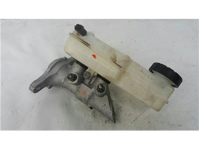 2012 Renault Megane 2012 To 2014 1.5 K9K846 Brake Master Cylinder Assembly
