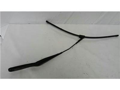 2004 Volvo V50 2004 To 2010 Drivers Front Wiper Arm RH