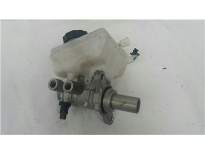 2016 Jaguar XE 2015 On 2.0 Diesel AJ200D Brake Master Cylinder Assembly