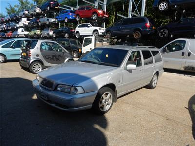 1999 VOLVO V70 XLT 10V