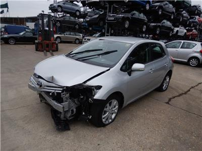 2012 TOYOTA AURIS Colour Collection