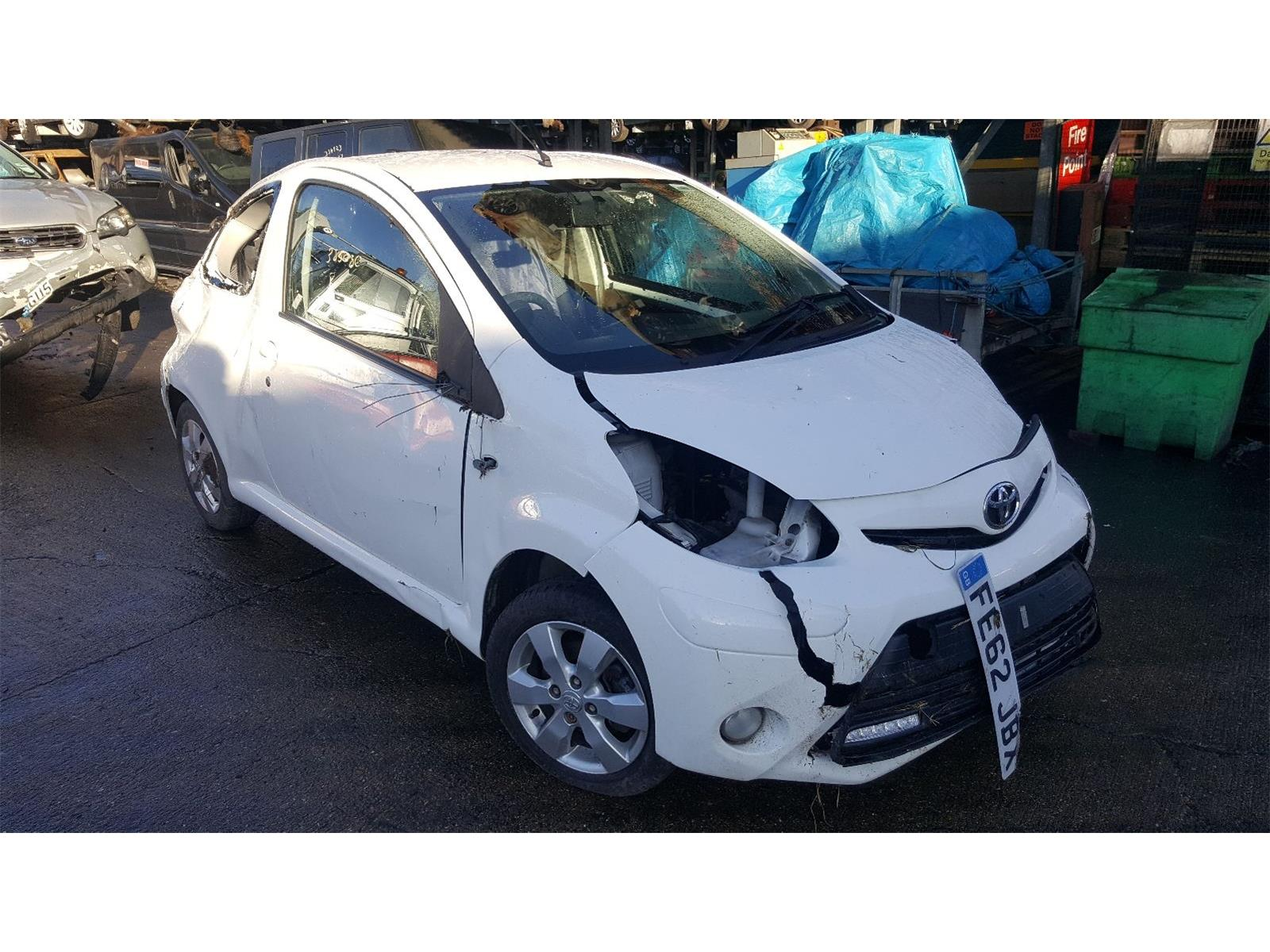 Toyota Aygo 2012 To 2014 Fire A C 3 Door Hatchback Scrap Salvage Yaris Fuse Box Year Ref
