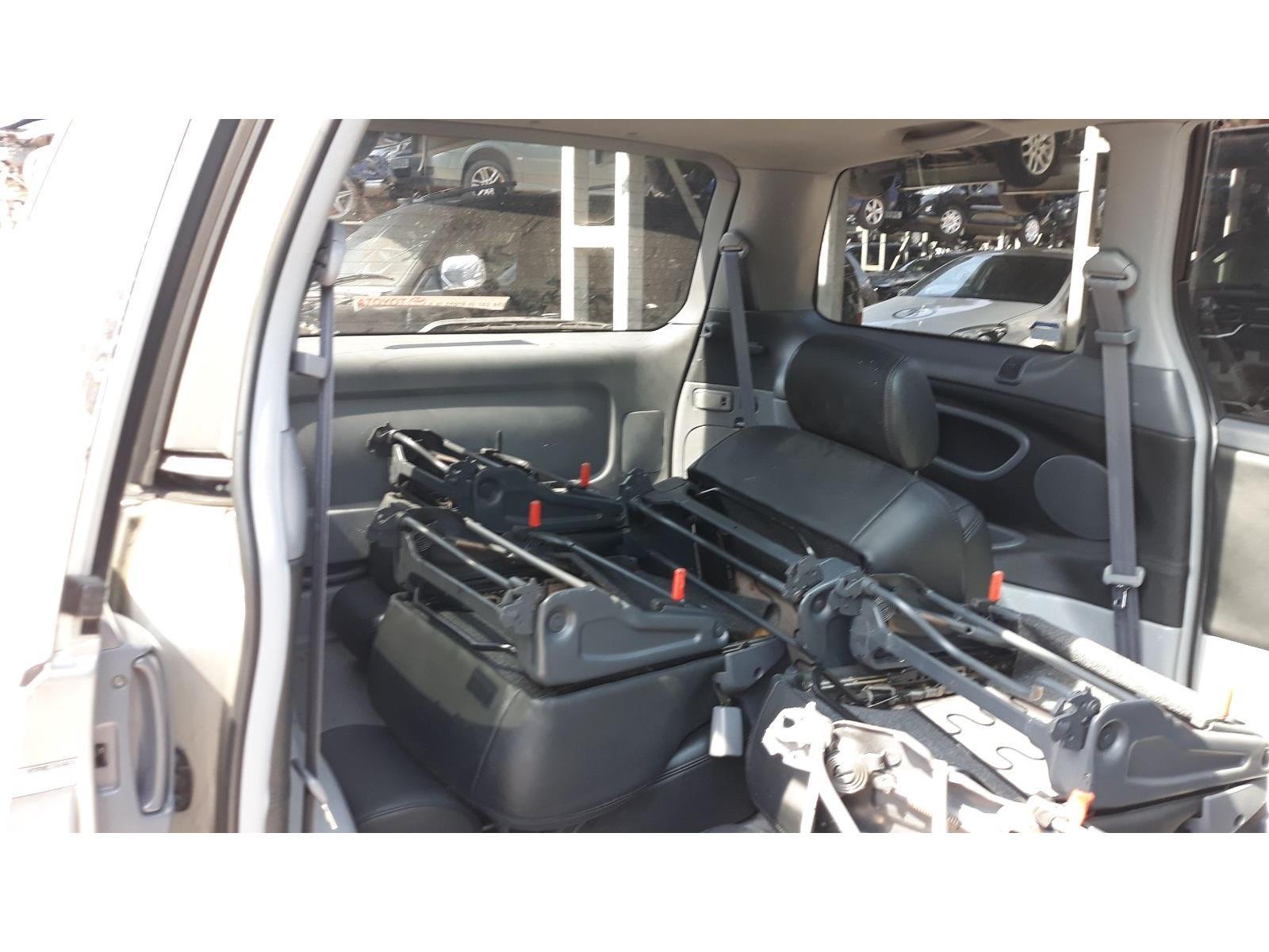 Toyota Previa 2001 To 2006 Cdx Mpv Scrap Salvage Car For Sale Estima Fuse Box Location Year