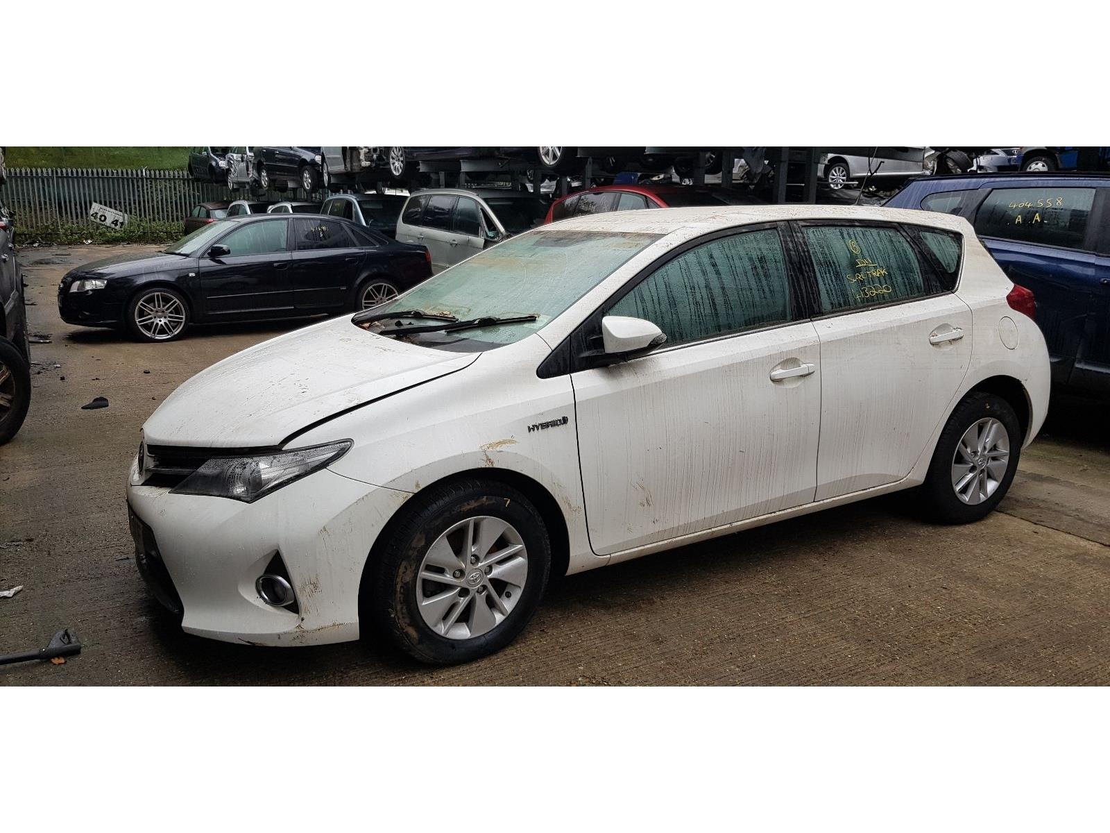 Toyota Auris Hybrid 2012 To 2015 Icon 5 Door Hatchback Scrap