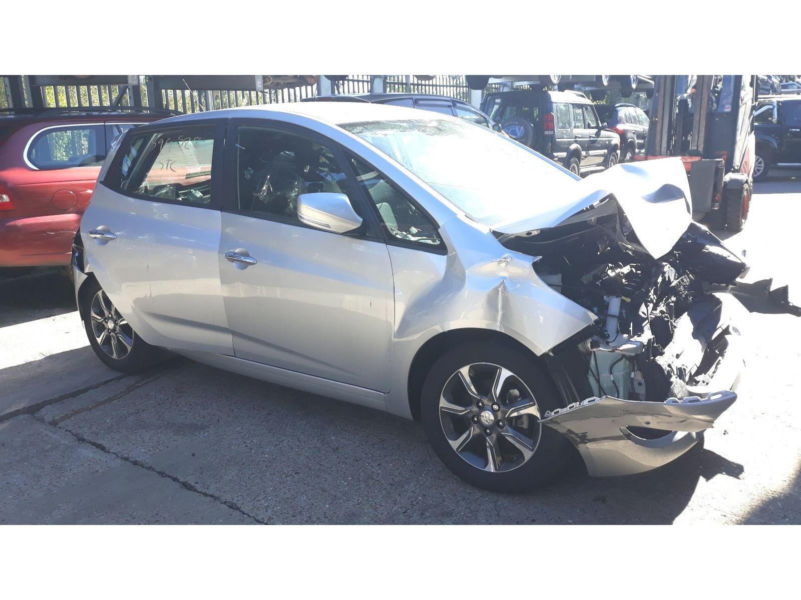 Hyundai Ix20 2015 On Se Blue Drive 5 Door Hatchback Scrap Peugeot 106 Zest Fuse Box Salvage Car For Sale Auction Silverlake Autoparts