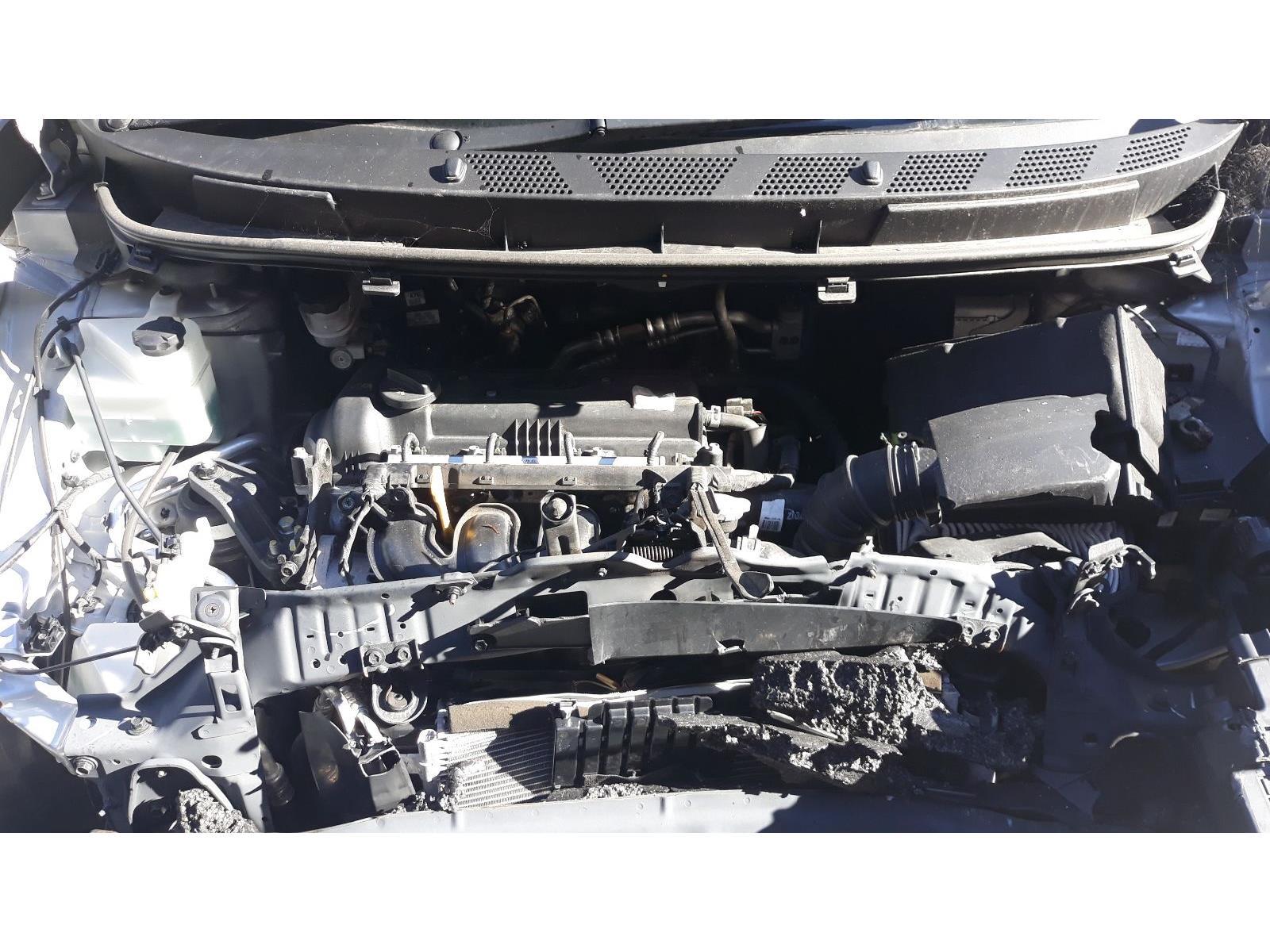 Hyundai Ix20 2015 On Se Blue Drive 5 Door Hatchback Scrap Peugeot 106 Zest 2 Fuse Box Year