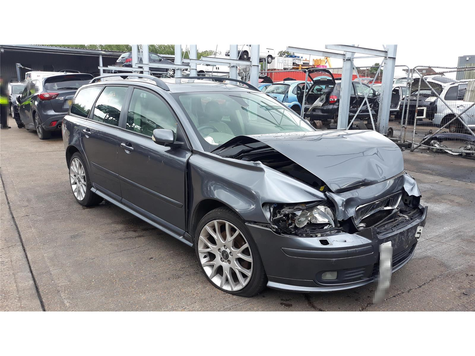 Volvo V50 2004 To 2010 SE Sport D 5 Door Estate / scrap