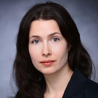 Ms Annika C. Münster
