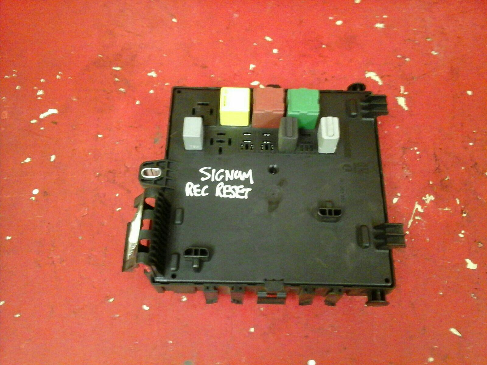 SIGNUM + VAUXHALL VECTRA C REAR ELECTRIC CONTROL REC FUSE BOX ER 02-09