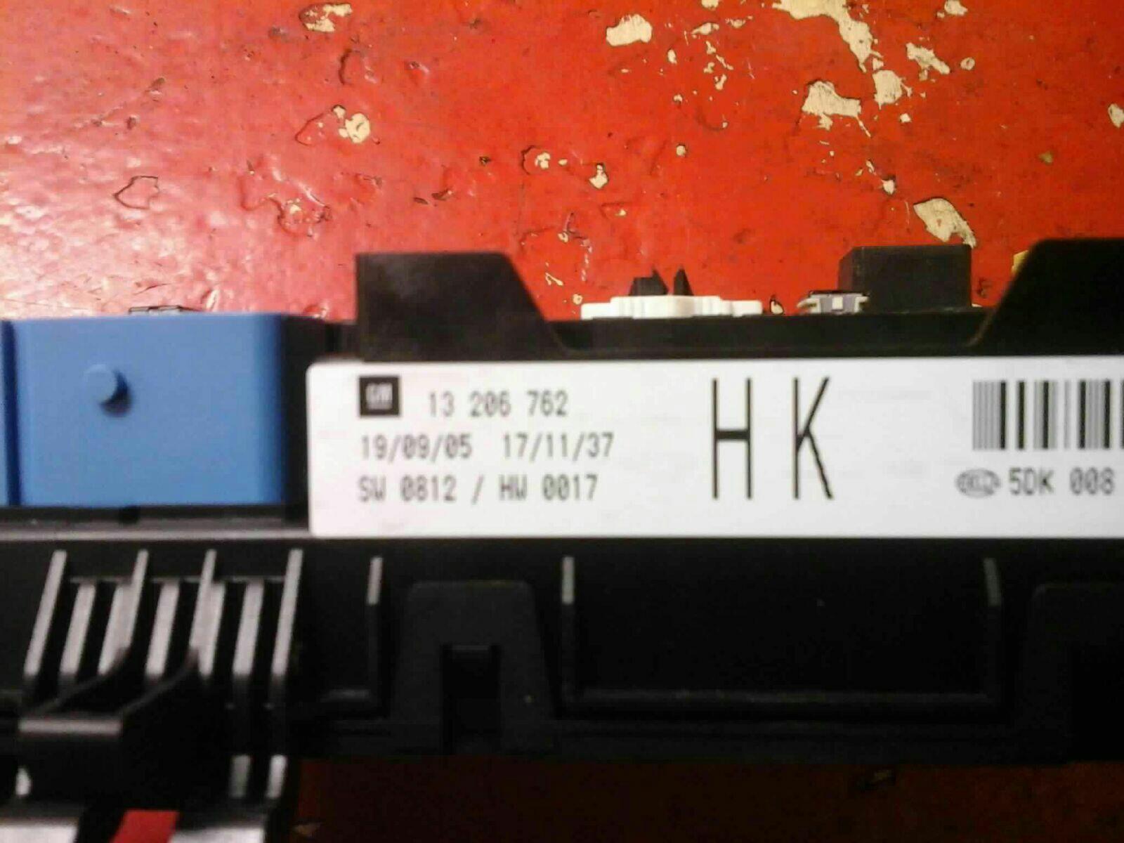VAUXHALL ASTRA MK5 H + ZAFIRA B REAR ELECTRIC CONTROL REC FUSE BOX HK  2004-10