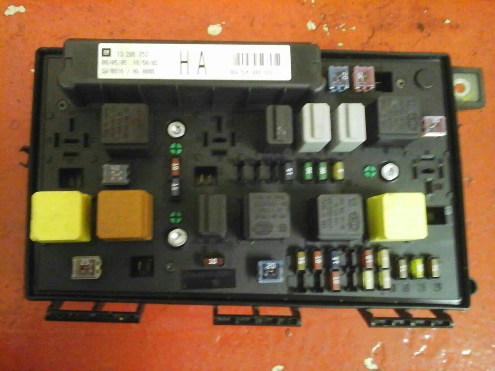 VAUXHALL ASTRA H MK5 FRONT BCM ELECTRIC CONTROL UEC FUSE BOX HA 2004-10