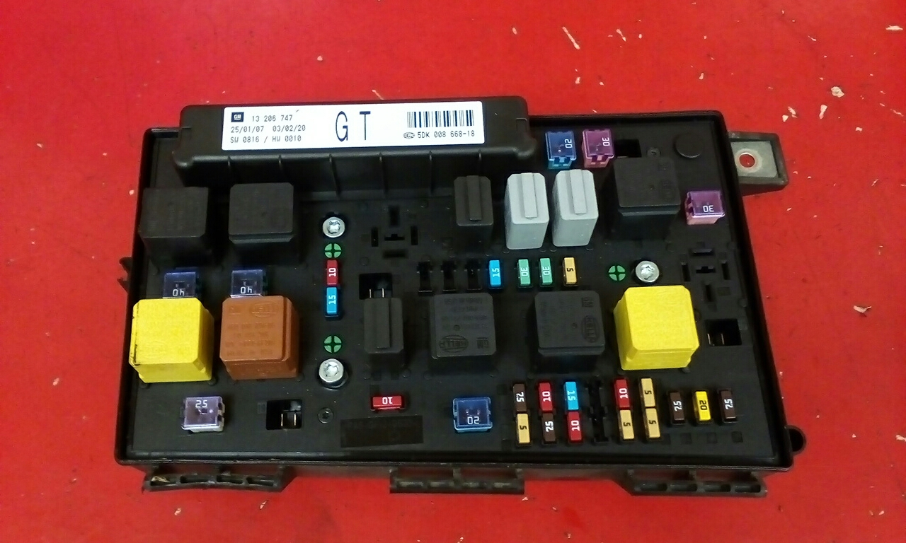 VAUXHALL ASTRA H MK5 FRONT ELECTRIC BCM UEC CONTROL FUSE BOX GT 2004-2010