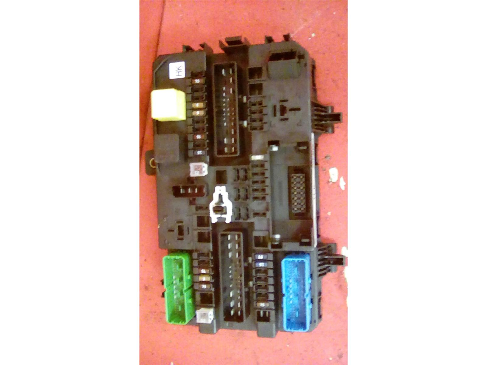 Vauxhall Astra Mk5 H Zafira B Rear Electric Control Rec Fuse Box Where Is Hk 04 2010
