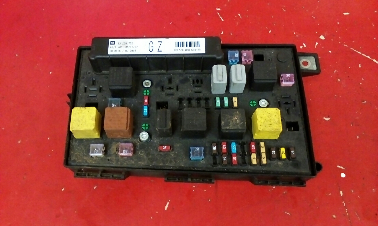 VAUXHALL ASTRA H MK5 FRONT BCM ELECTRIC CONTROL GZ UEC FUSE BOX 2004-2010