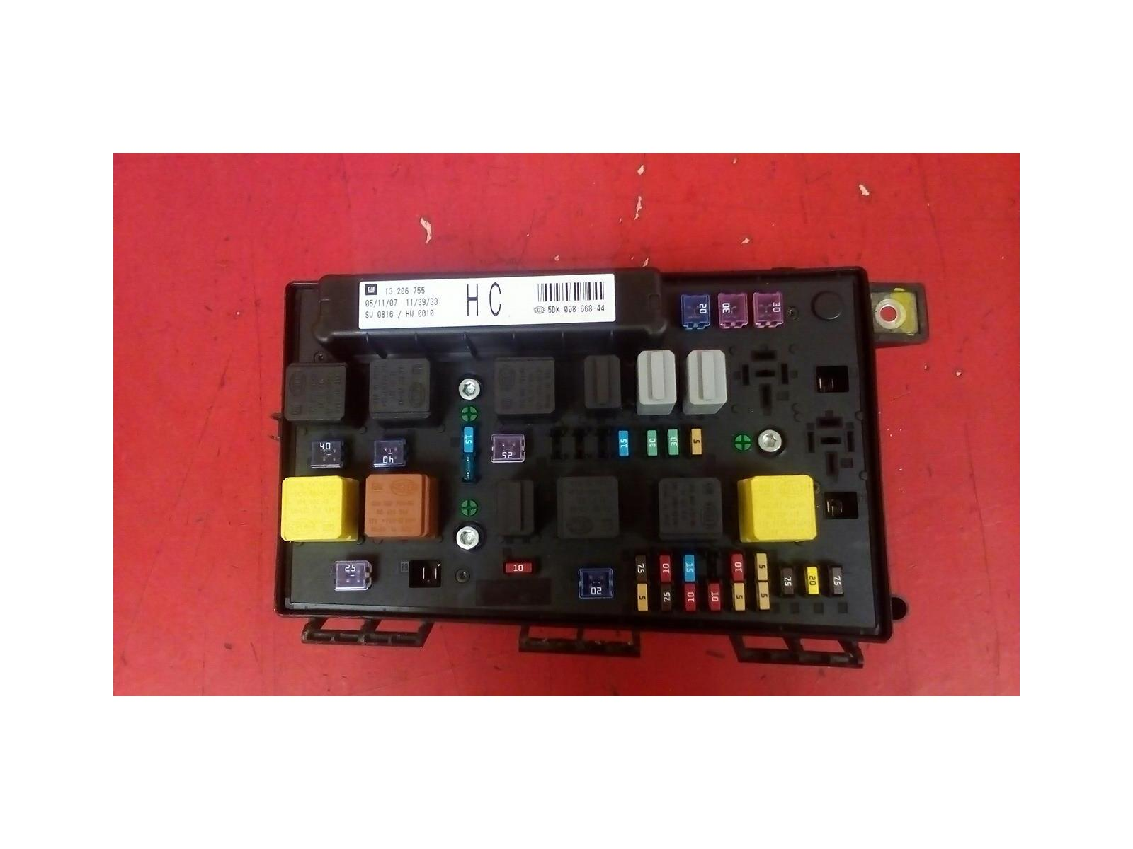 VAUXHALL ASTRA H MK5 FRONT BCM UEC HC ELECTRIC CONTROL FUSE BOX 2004-2010