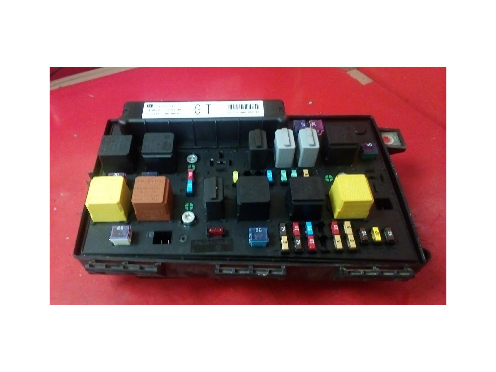 VAUXHALL ASTRA H ZAFIRA B FRONT BCM UEC ELECTRIC CONTROL FUSE BOX GT  2004-2010