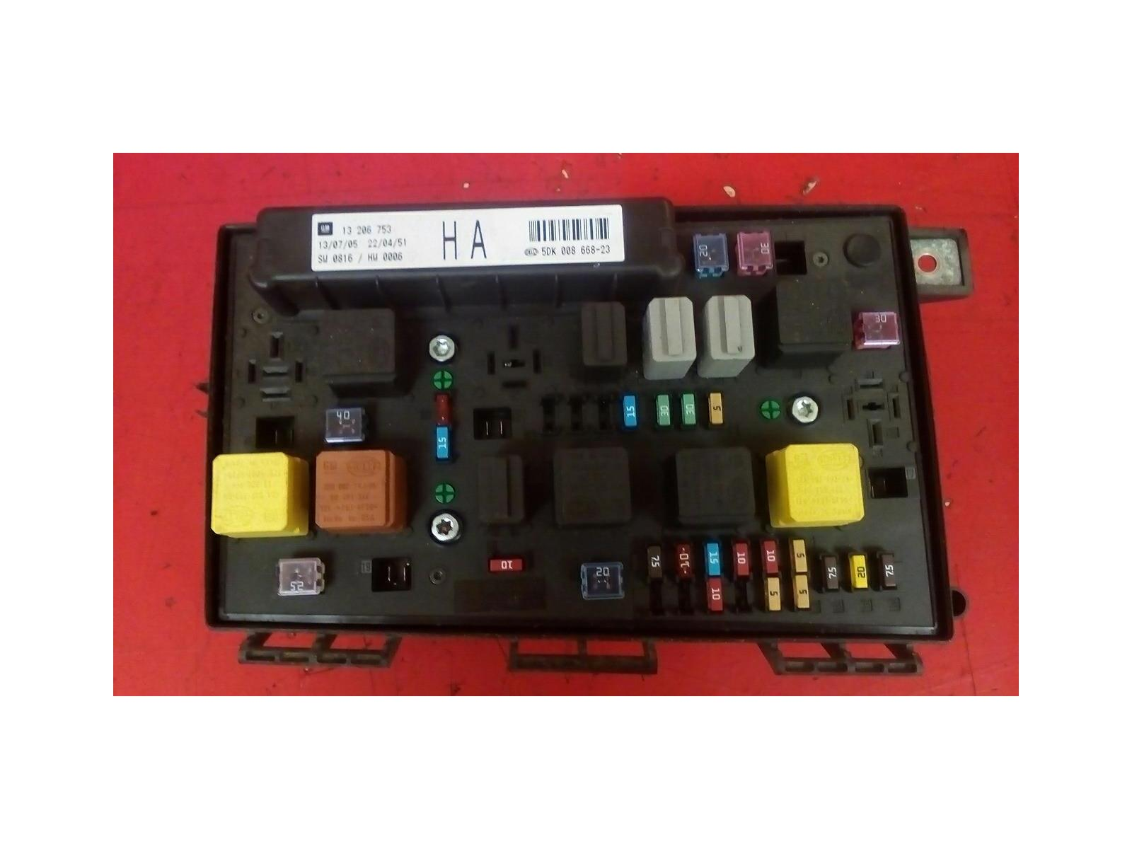 VAUXHALL ASTRA H MK5 FRONT BCM ELECTRIC CONTROL UEC HA FUSE ... on