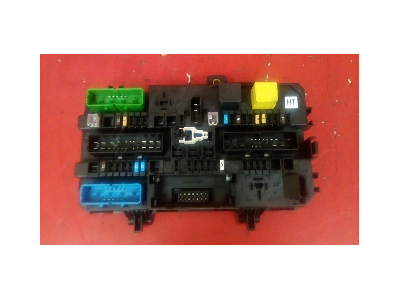 f2493c8a-de8f-48f7-ac1f-72fa0e9fa486_229305 Where Is The Fuse Box On A Vauxhall Astra Van on