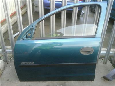 vauxhall corsa c 5 door passenger front door n/s/f petrol 20m/69l 2000-200