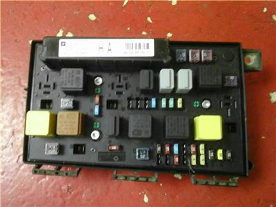 VAUXHALL ASTRA H MK5 FRONT BCM ELECTRIC CONTROL UEC FUSE BOX ... on