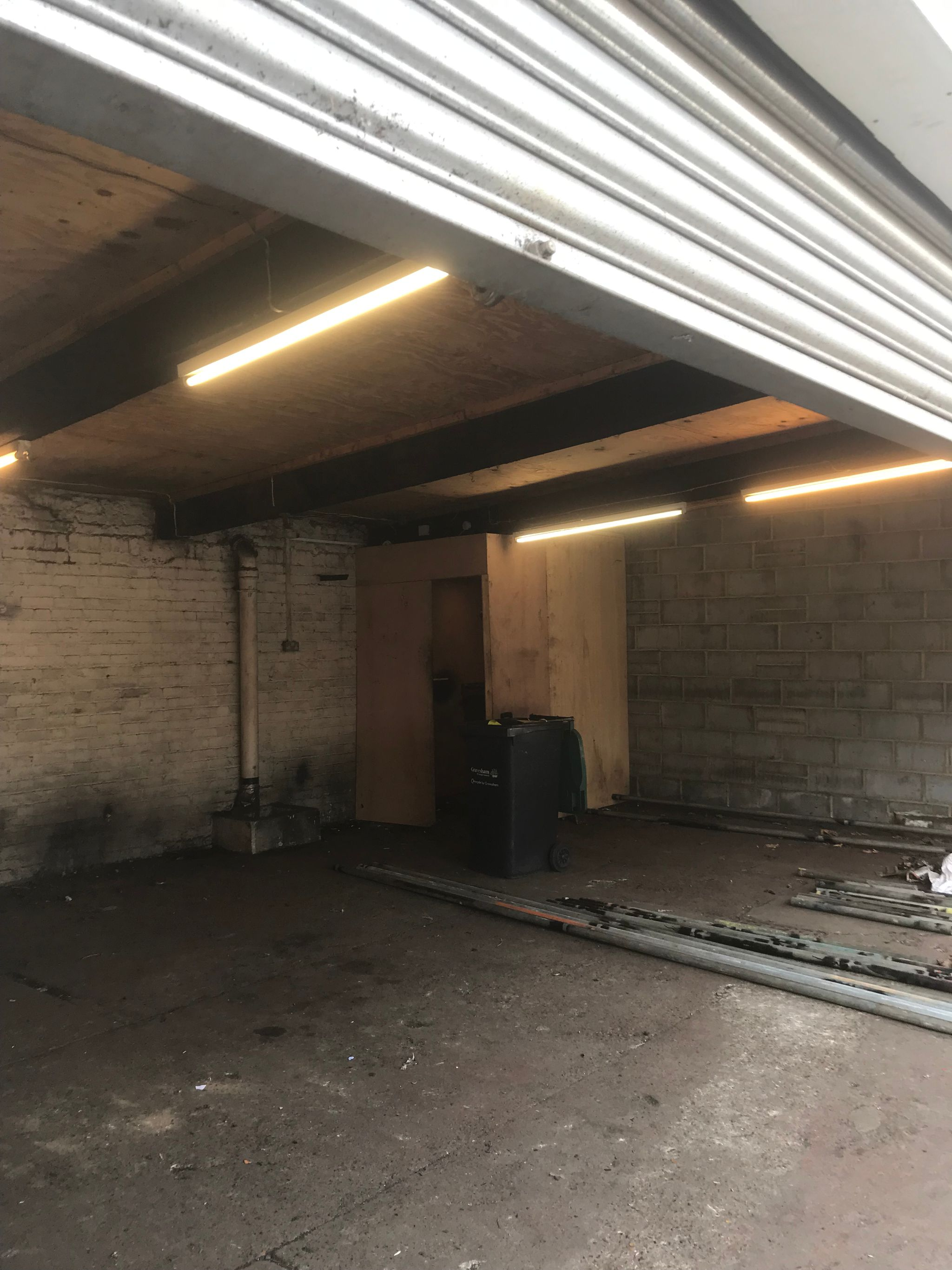 industrial units To Let in Gravesham - Property photograph