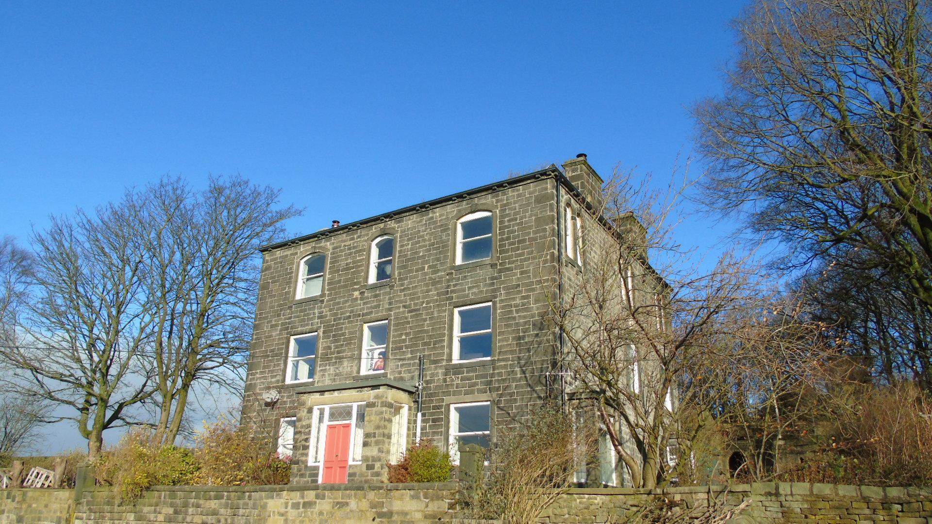 6 bedroom detached house Under Offer in Hebden Bridge - Property photograph