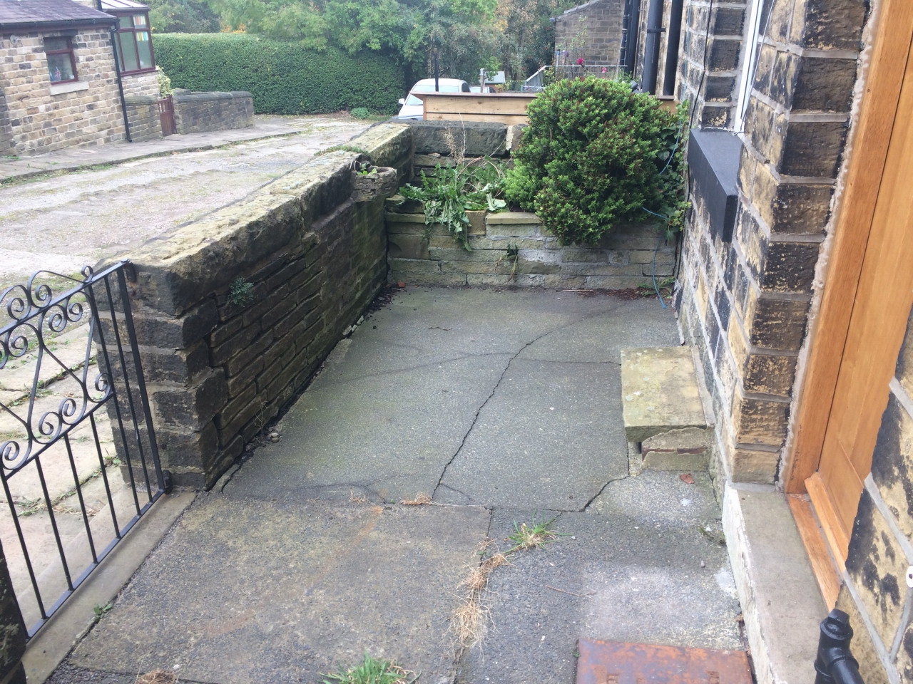 3 bedroom mid terraced house Let Agreed in Mytholmroyd - Property photograph