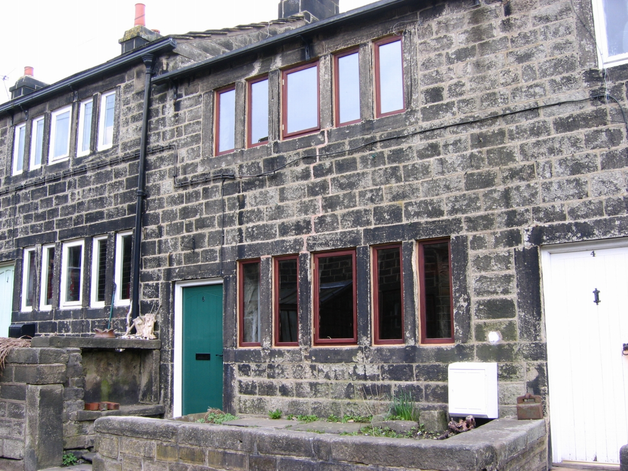 2 bedroom mid terraced house Let Agreed in Heptonstall - Property photograph