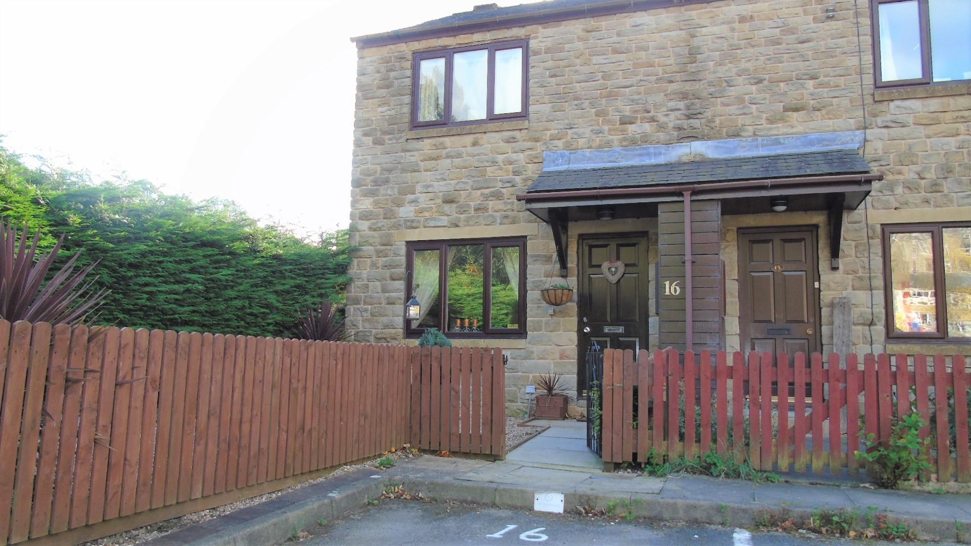 2 bedroom end terraced house Sale Agreed in Hebden Bridge - Property photograph