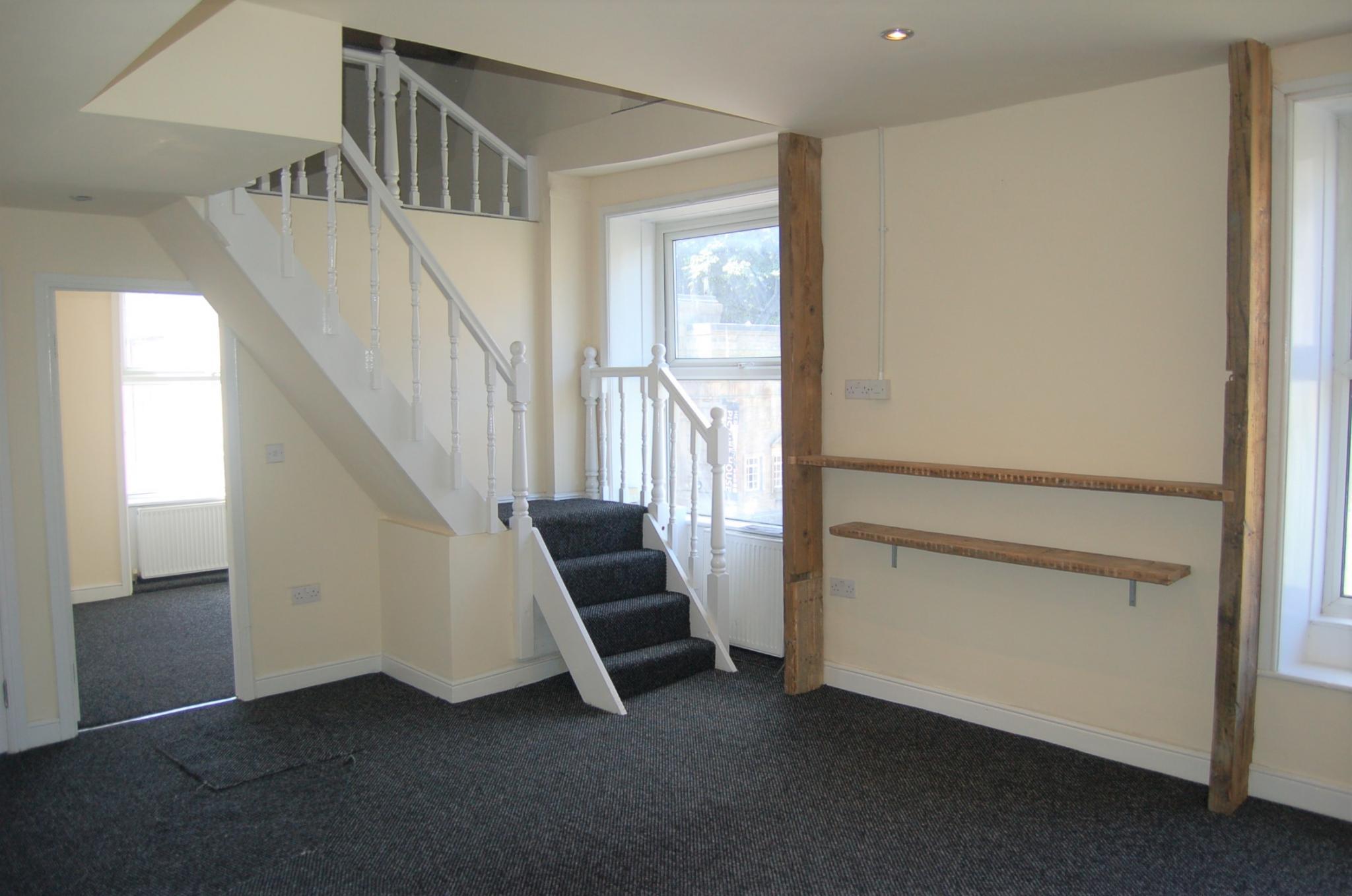 3 bedroom duplex flat/apartment To Let in Hebden Bridge - Property photograph