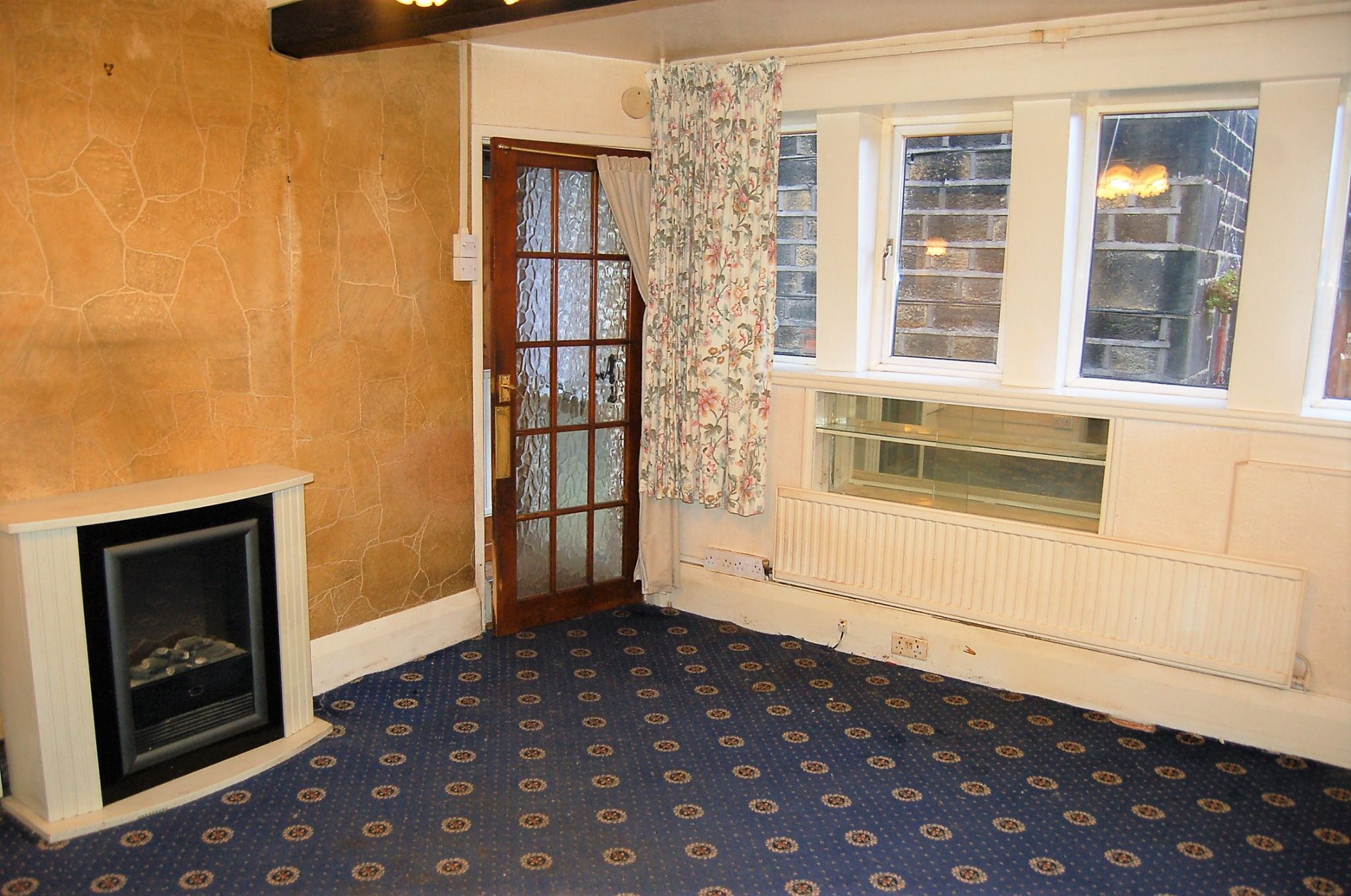 2 bedroom mid terraced house For Sale in Hebden Bridge - Property photograph