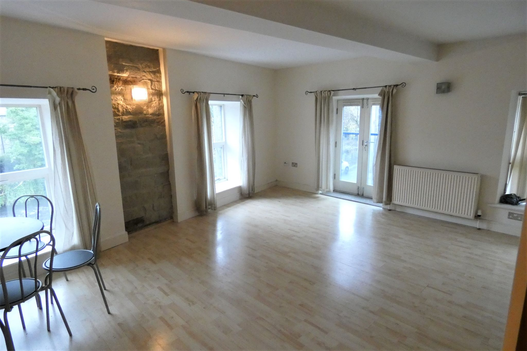 2 bedroom apartment flat/apartment To Let in Sowerby Bridge - Property photograph