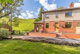 3 bedroom semi-detached villa house For Sale in Todmorden - Property photograph