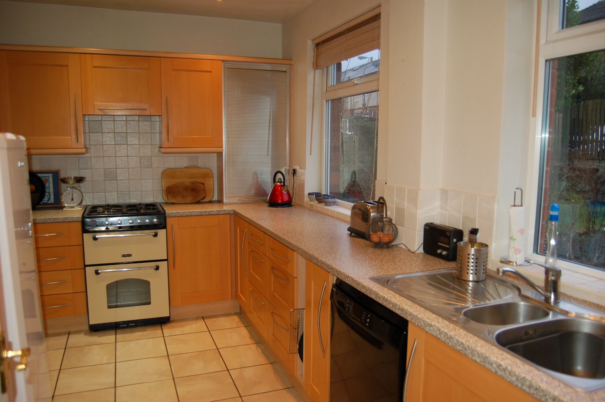4 bedroom semi-detached house Sale Agreed in Hebden Bridge - Property photograph