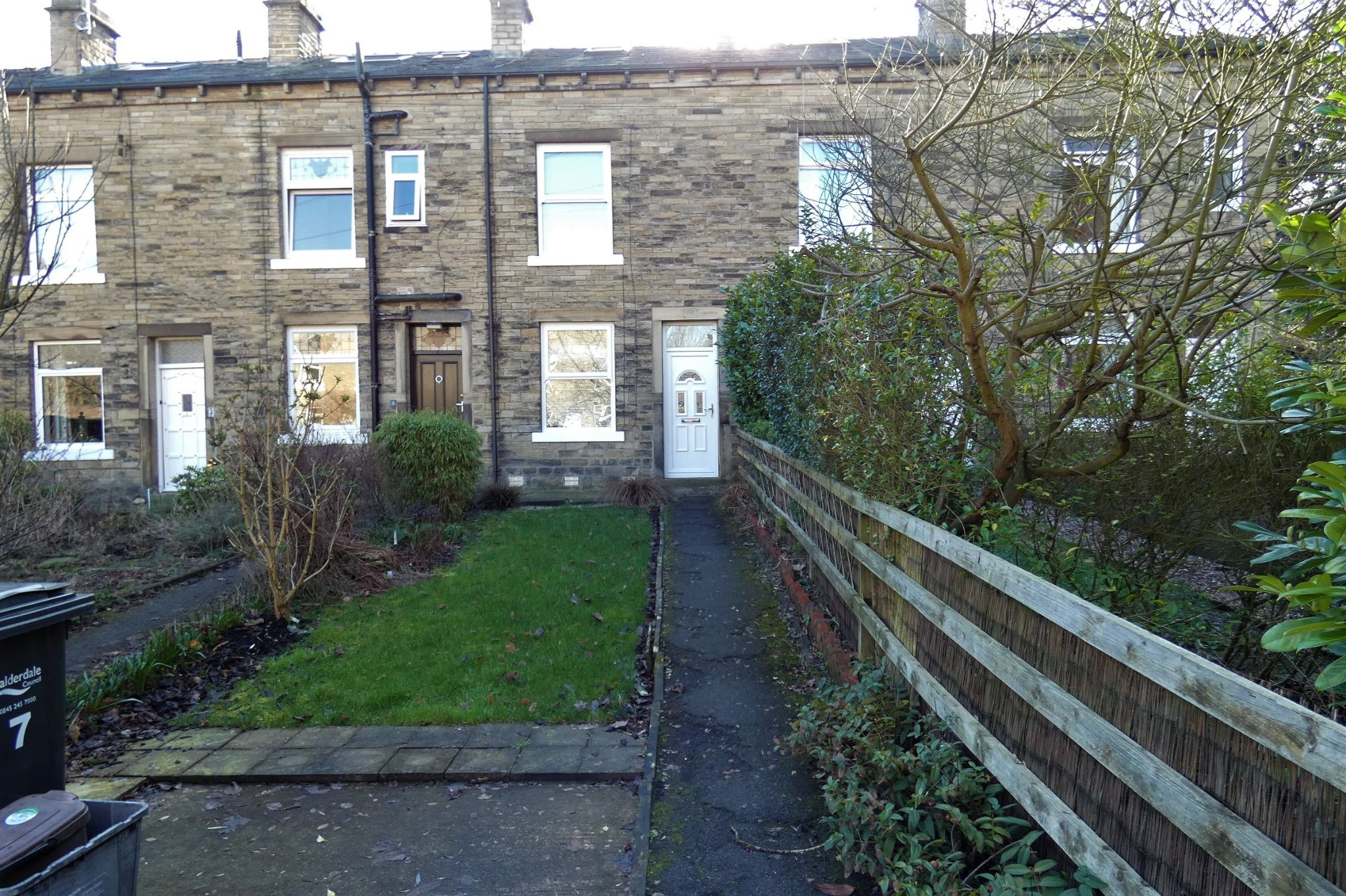 2 bedroom mid terraced house To Let in Hebden Bridge - Property photograph