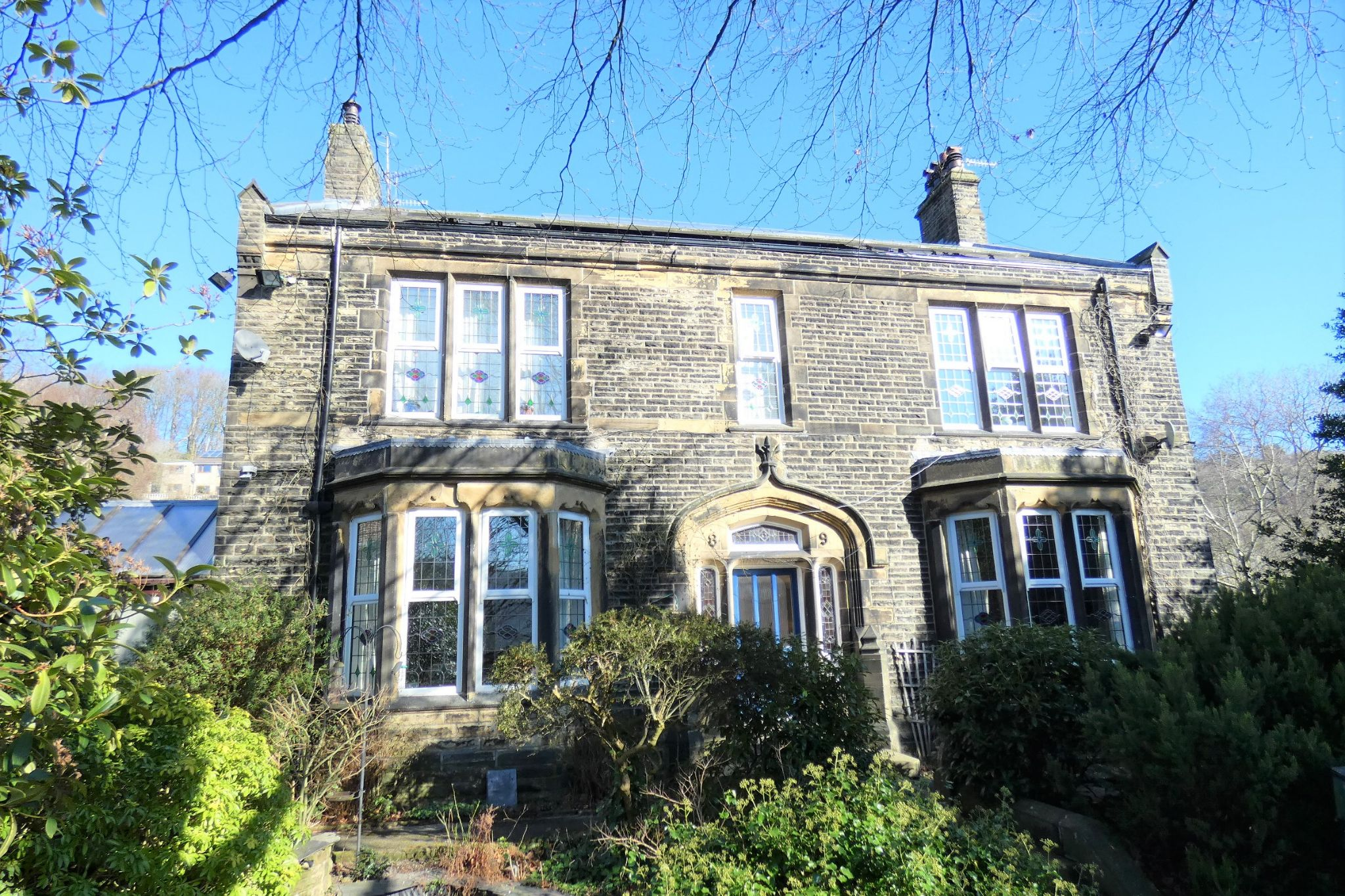 5 bedroom detached house For Sale in Todmorden - Property photograph