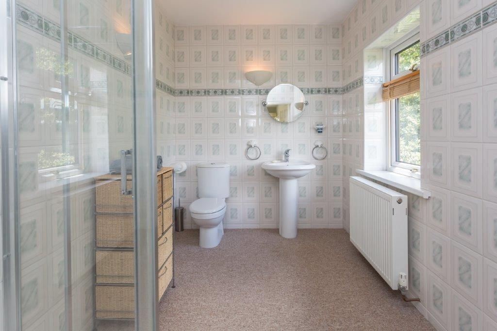 6 bedroom detached house For Sale in Todmorden - Photograph 22