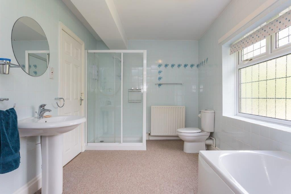 6 bedroom detached house For Sale in Todmorden - Photograph 23