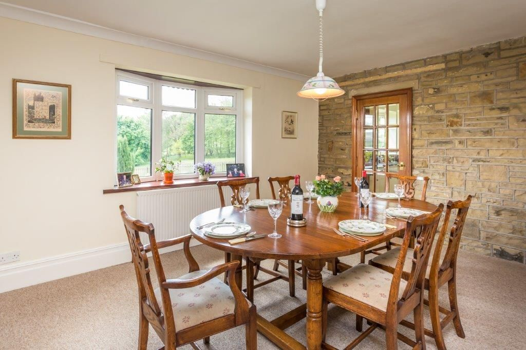 6 bedroom detached house For Sale in Todmorden - Photograph 15