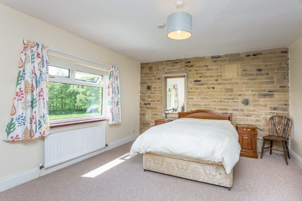 6 bedroom detached house For Sale in Todmorden - Photograph 17