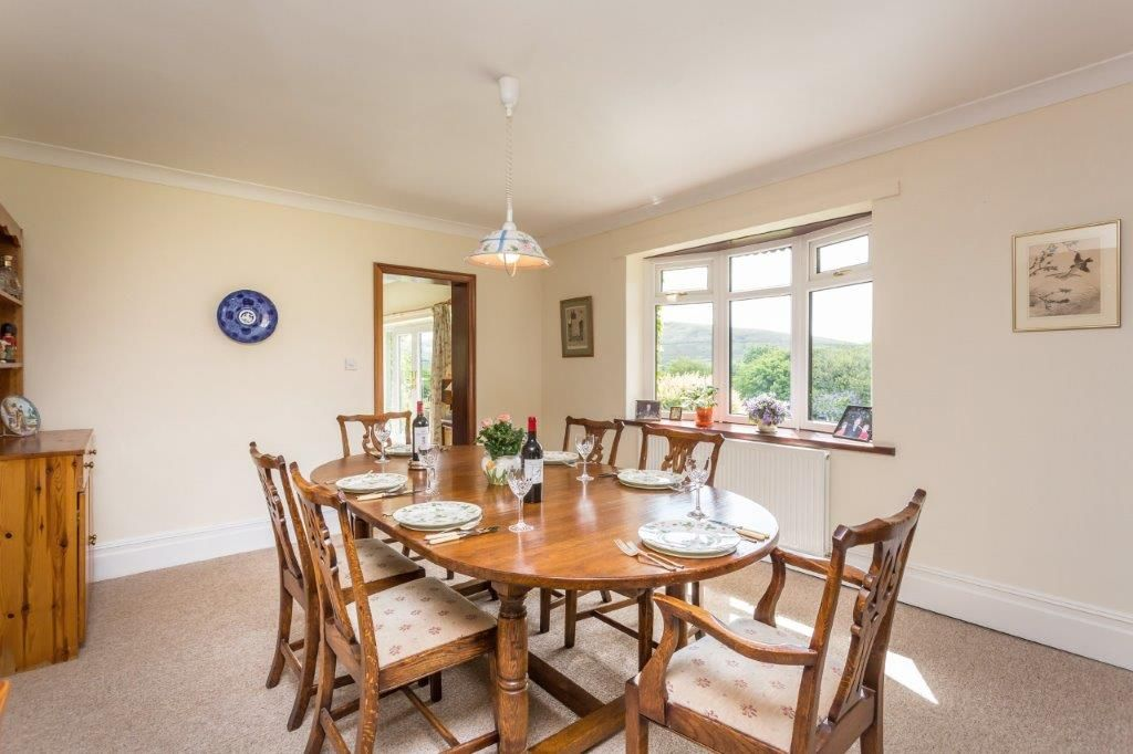6 bedroom detached house For Sale in Todmorden - Photograph 14