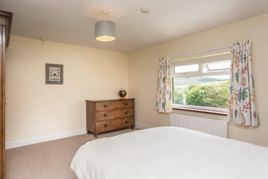 6 bedroom detached house For Sale in Todmorden - Photograph 21
